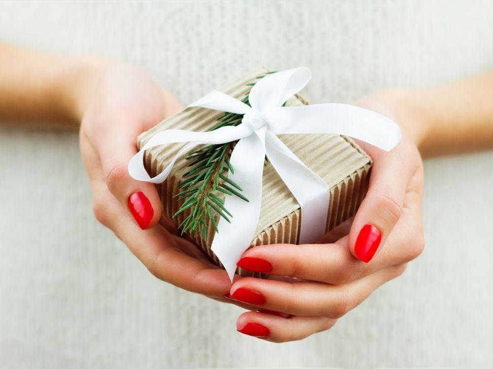 Lista najlepszych pomysłów na świąteczny prezent dla dziewczyny