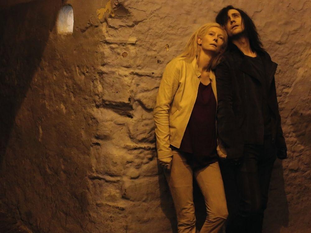 Tylko kochankowie przeżyją - miłość dwójki wampirów
