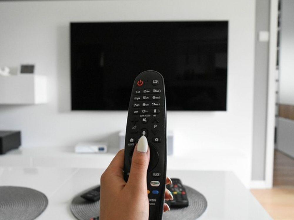Telewizja cyfrowa, satelitarna i kablowa – poznaj najważniejsze różnice