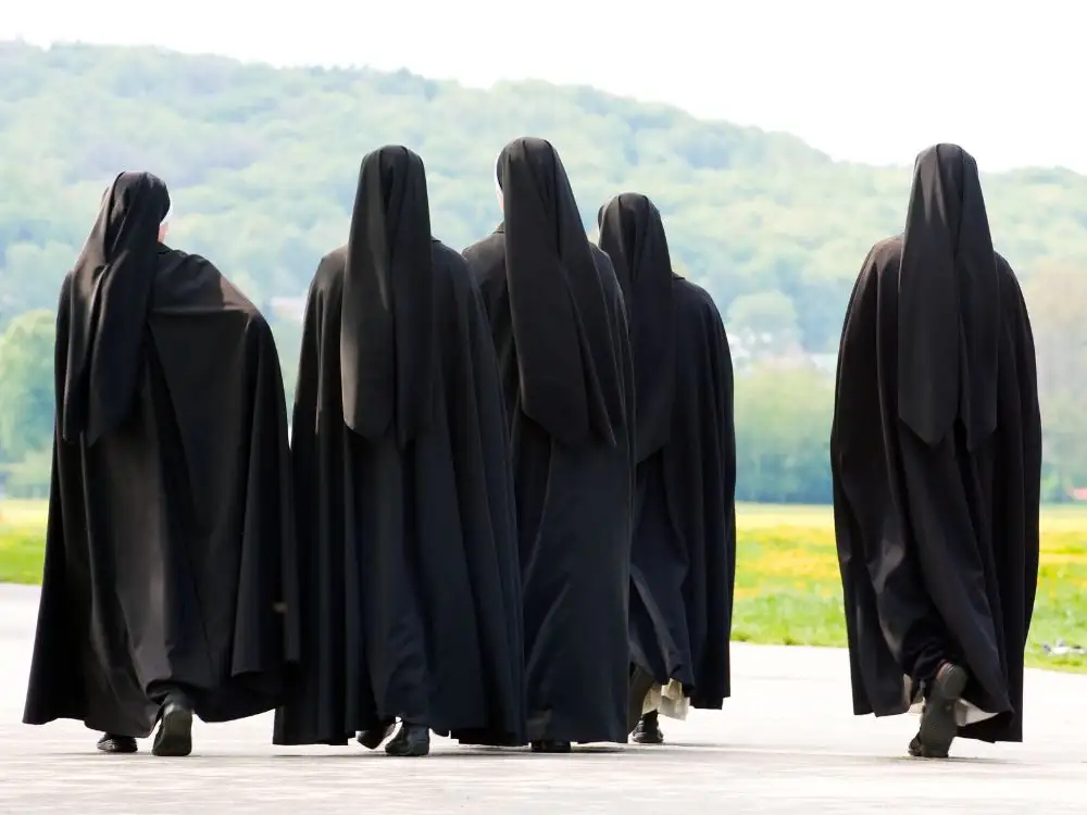 Oszustka udawała zakonnicę, żeby uniknąć więzienia