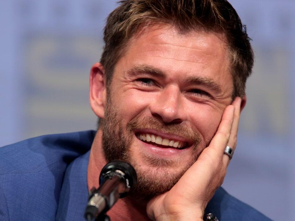 """Chris Hemsworth walczy z porywaczami w nowym zwiastunie """"Tyler Rake: Ocalenie"""""""