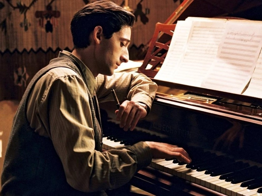 """Adrien Brody – nie tylko """"Pianista"""". Poznajcie najlepsze filmy z jego udziałem"""