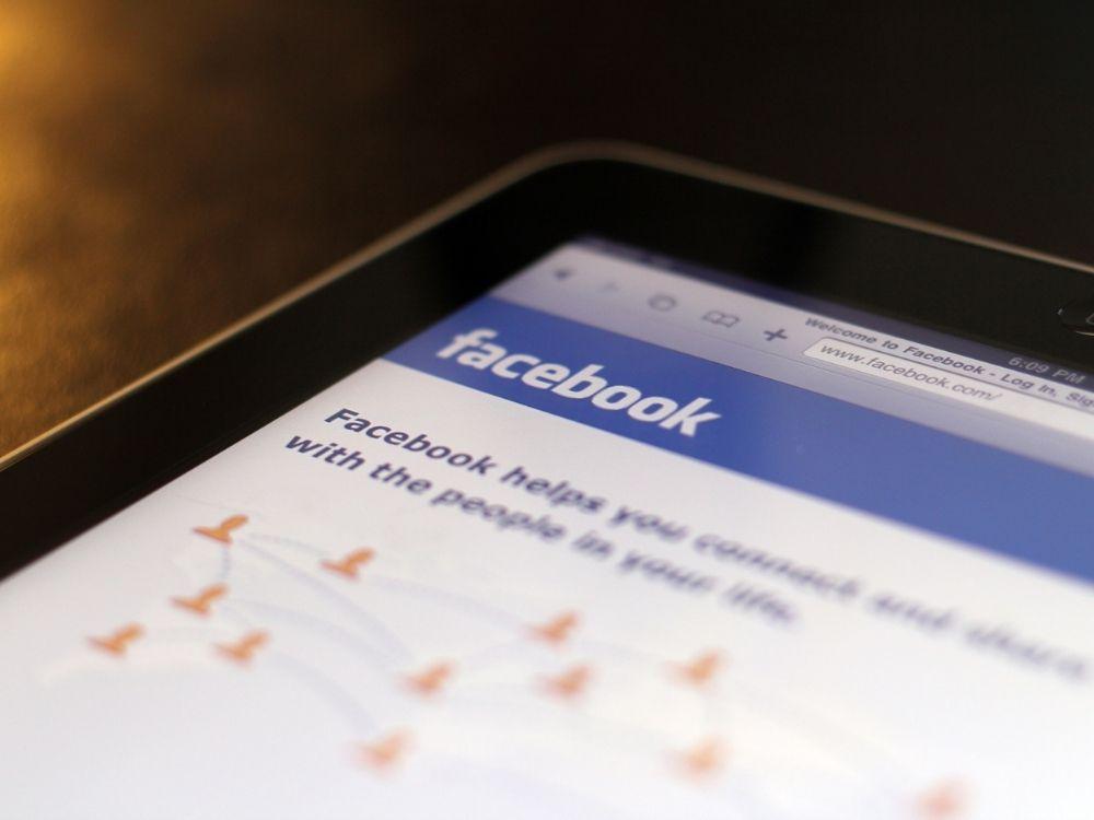 Jak zmienić imię i nazwisko na Facebooku?