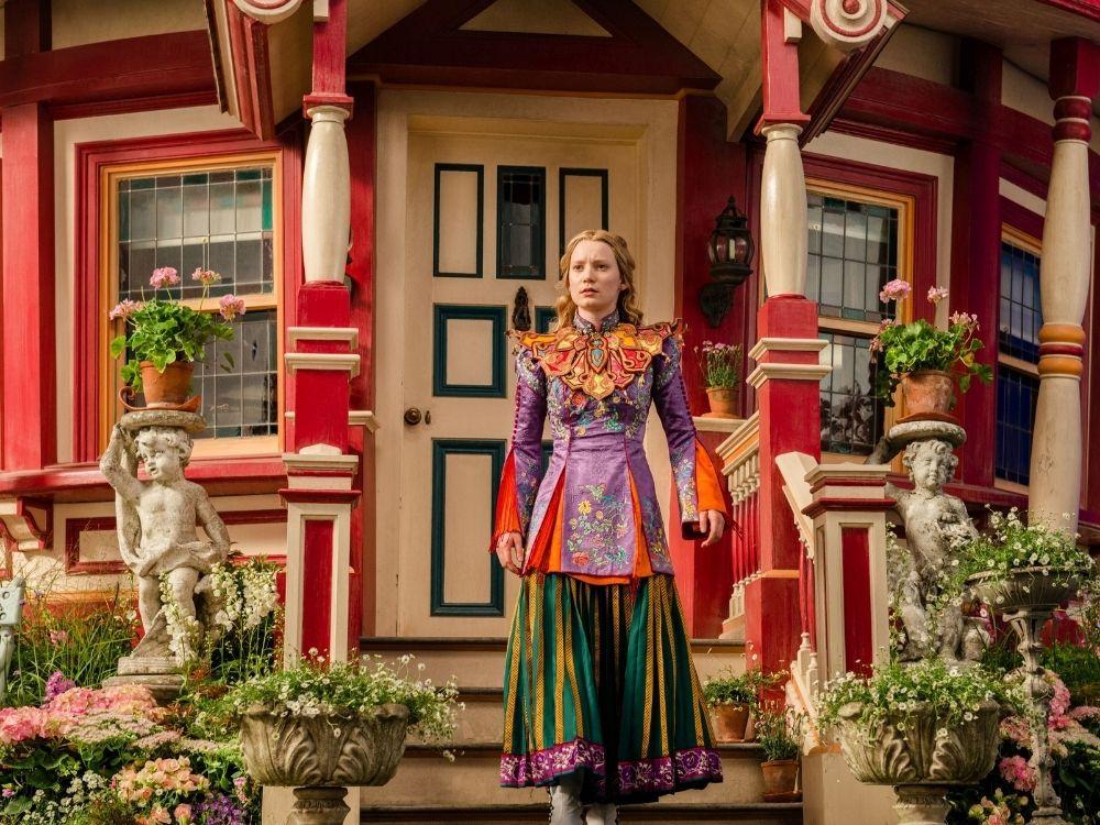 Alicja po drugiej stronie lustra - powrót do Krainy Czarów