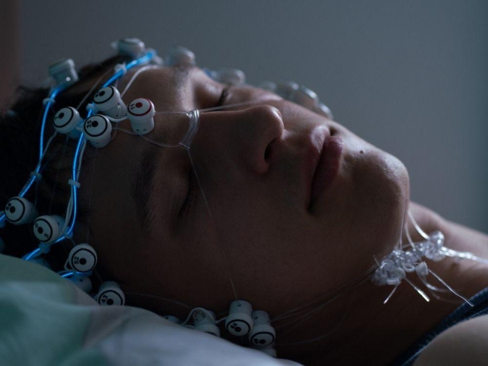 Otwórz oczy (2021) online - opis serialu. Gdzie oglądać?