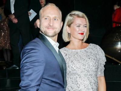 Borys Szyc opowiedział w wywiadzie, że był zdalnie ze swoją żoną podczas porodu