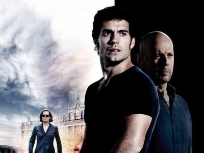 Zimne światło dnia (2012) –   thriller pełen akcji i spisków