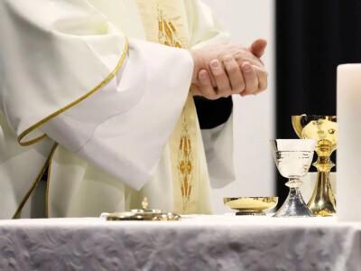 Biskup Jan Szkodoń oskarżany o molestowanie nieletniej