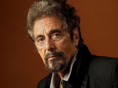 Al Pacino – wybitny aktor o włoskich korzeniach. Wiek, wzrost, waga, Instagram, kariera, partnerka, dzieci