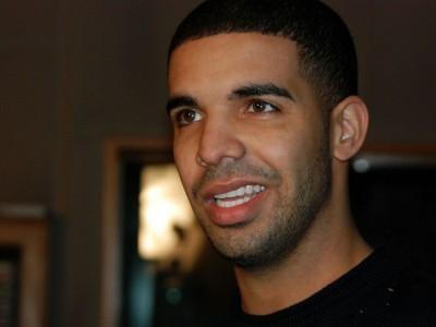 """Drake rapuje o Kylie Jenner: """"była tylko laską na boku, miałem 20 pie*****nych Kylie"""". Oberwało się też Kendall i Gigi Hadid"""