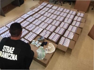 Rozbito grupę przestępczą, która z leków na kaszel wytwarzała narkotyki
