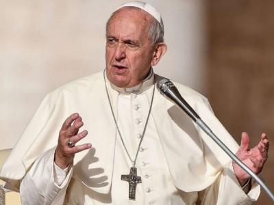 """Papież Franciszek zniósł """"tajemnicę papieską"""" odnoszącą się do nadużyć seksualnych"""