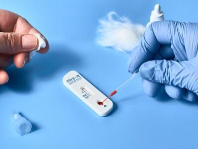 Biedronka będzie sprzedawać szybkie testy na COVID-19