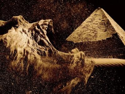 Piramida - tajemnicze istoty polują na ludzi