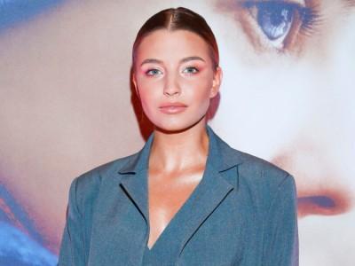 Julia Wieniawa - najsławniejsza gwiazda? Wiek, wzrost, waga, Instagram, kariera, partner