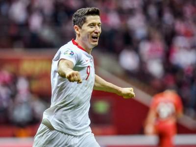Robert Lewandowski - najlepszy piłkarz z Polski. Wiek, wzrost, waga, Instagram, żona, dzieci