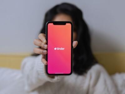 Tinder – zablokuj znajomych po numerze telefonu