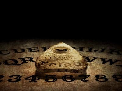 Diabelska plansza Ouija - co może przywołać przedmiot?