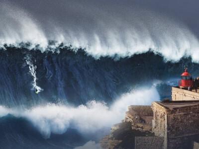 30-metrowa fala - niesamowite miejsce na surfing
