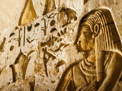 Tajemnice grobowca w Sakkarze – co skrywa nekropolia?