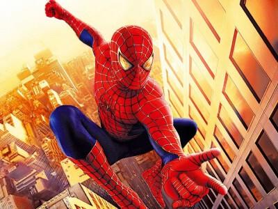Spider-Man (2002) - ugryzienie pająka zmienia jego życie
