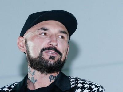 """Patryk Vega - reżyser """"Botoksu"""". Wiek, wzrost, waga, Instagram, żona, dzieci"""