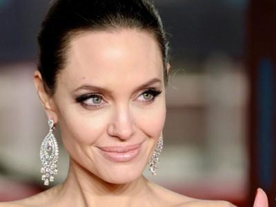 Angelina Jolie - skandalistka z Hollywood. Wiek, wzrost, waga, Instagram, mąż, dzieci