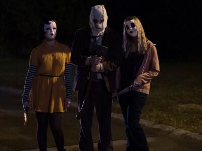 Nieznajomi: Ofiarowanie - trójka zamaskowanych psychopatów