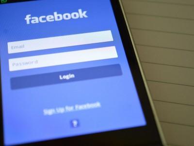 Facebook nas podgląda? Zagrożone niektóre modele telefonów