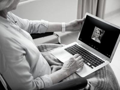 Rozmawiała z bratem na Skype. Chwilę później słyszał jej przeraźliwy krzyk...