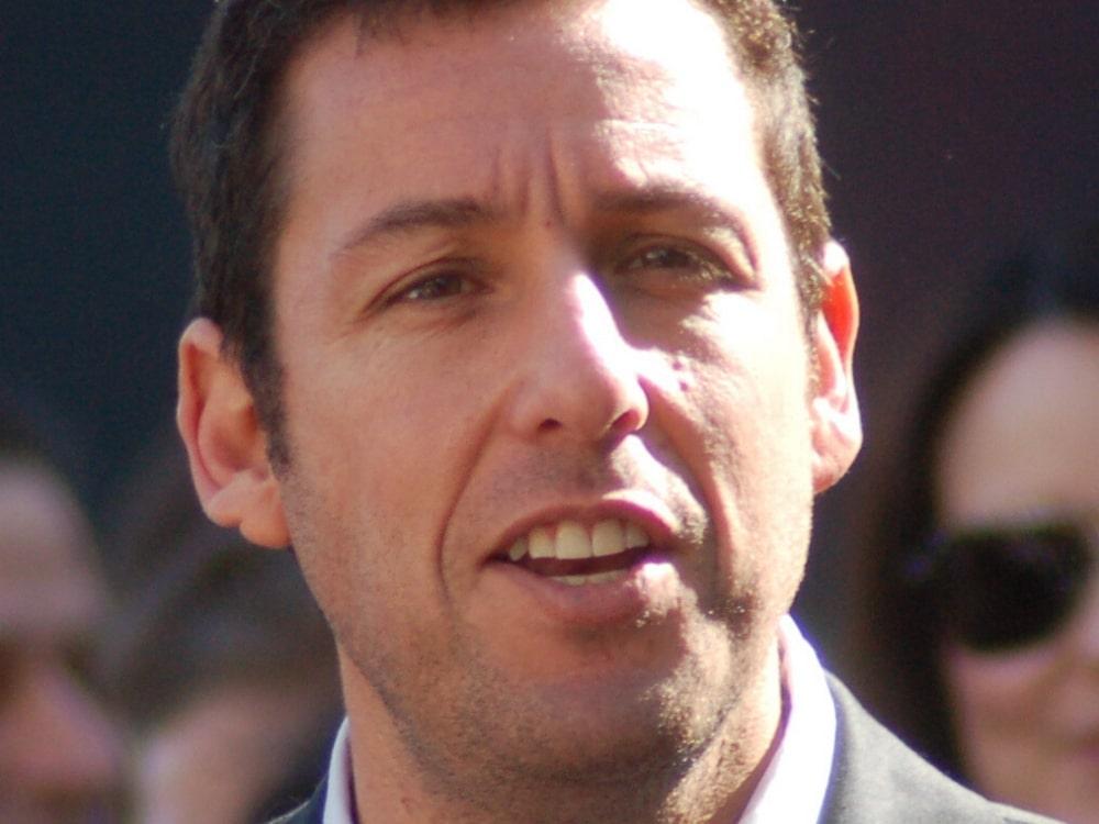Adam Sandler – najlepsze filmy z udziałem aktora, które zapewnią porządną dawkę humoru!
