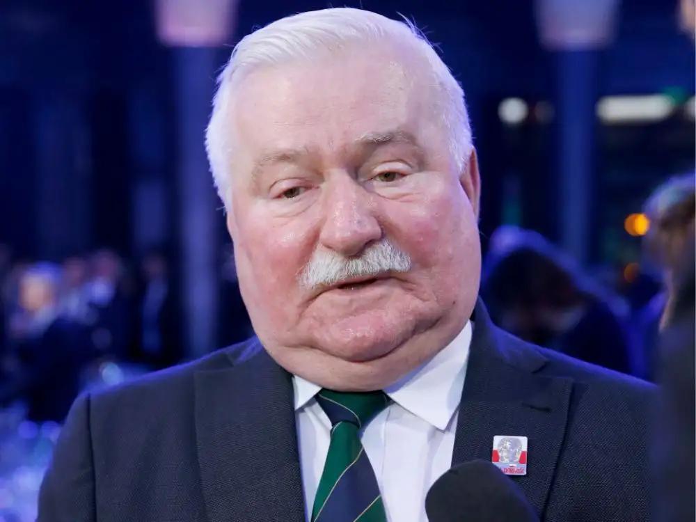 Odtajniono notatkę z rozmowy Lecha Wałęsy z Billem Clintonem